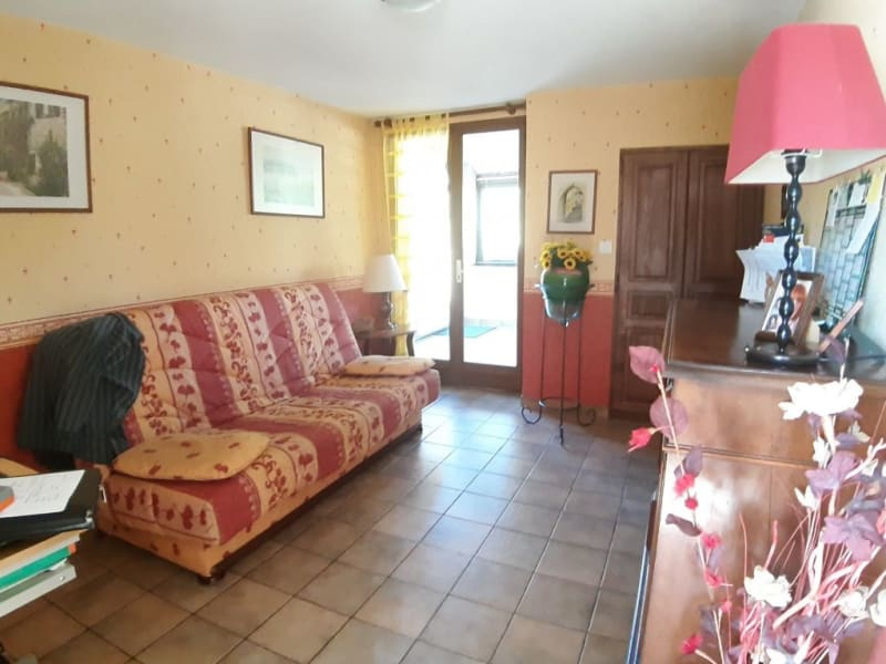 Sale house / villa St bonnet troncais 148400€ - Picture 7