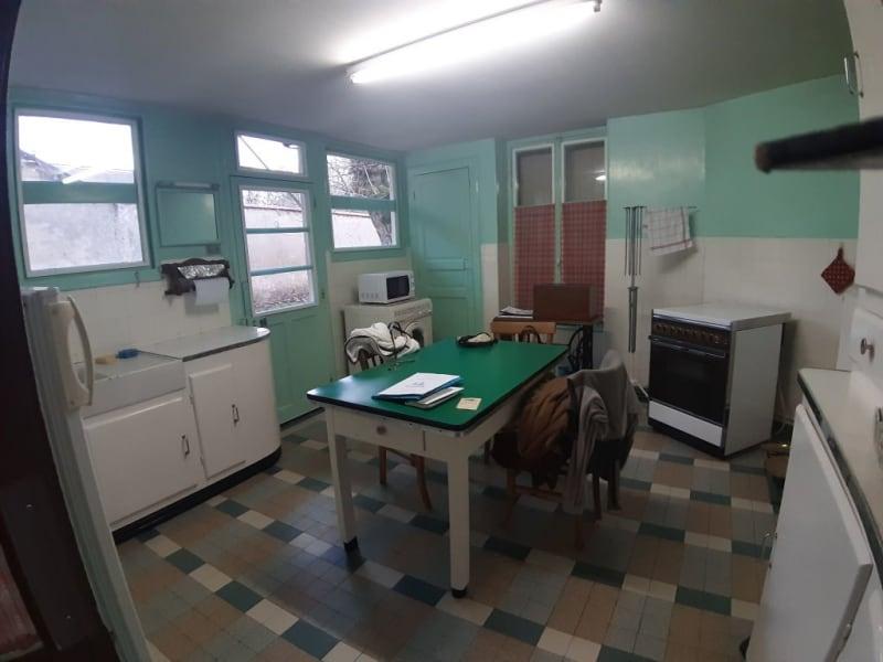 Sale house / villa Lurcy levis 75600€ - Picture 8