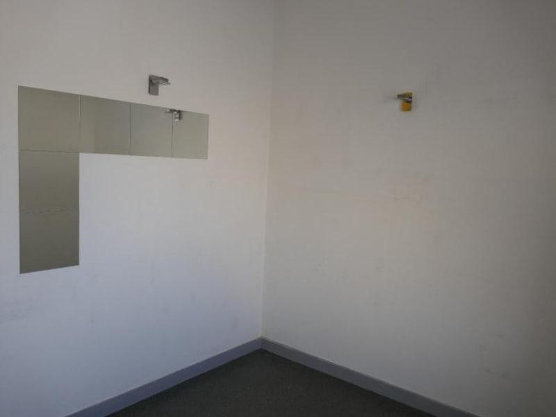Rental empty room/storage Montreal la cluse 807€ HC - Picture 5