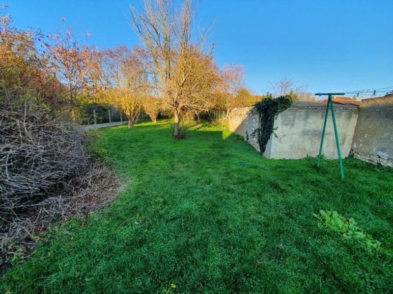 Sale house / villa Courlon sur yonne 92500€ - Picture 10