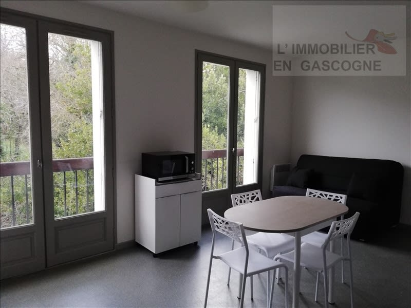 Rental apartment Auch 360€ CC - Picture 1