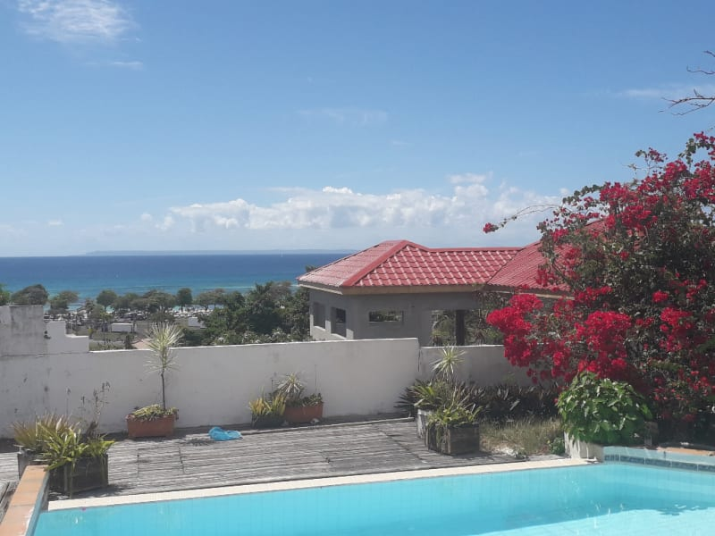 Villa vue mer et proche de la mer, composée de 6 appartements.