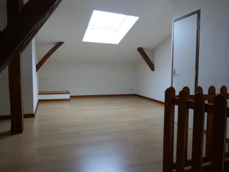 Rental house / villa Ceignes 702€ CC - Picture 6