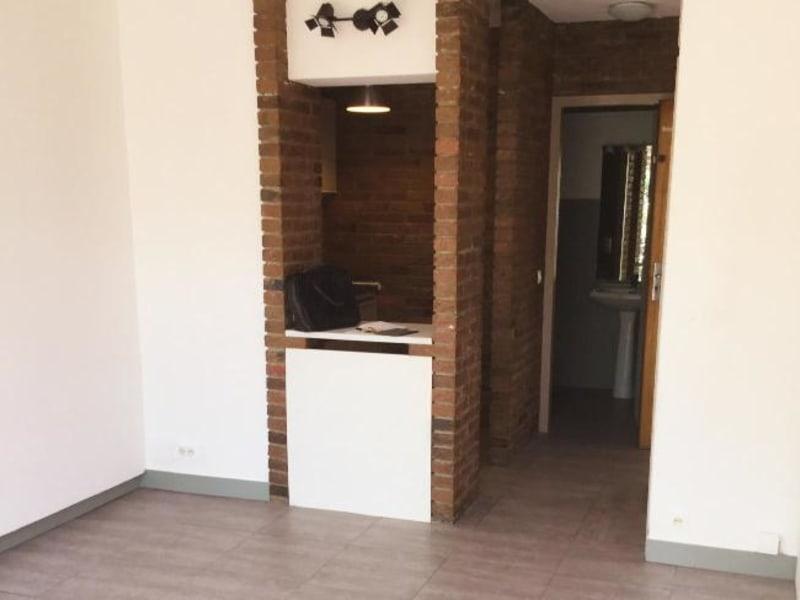 Rental apartment Aix en provence 655€ CC - Picture 2