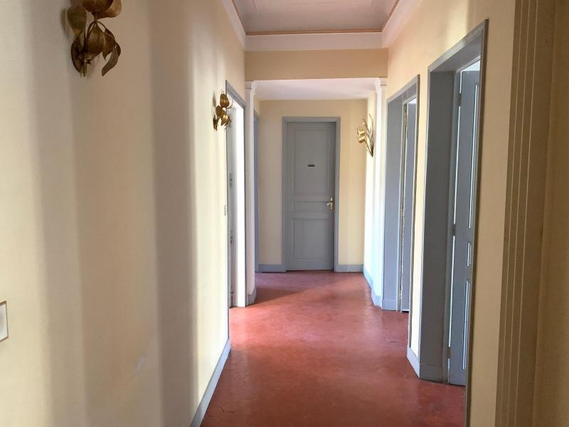 Rental apartment Aix en provence 2250€ CC - Picture 2