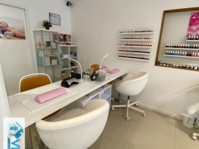 Commercial property sale shop La varenne saint hilaire 104000€ - Picture 2