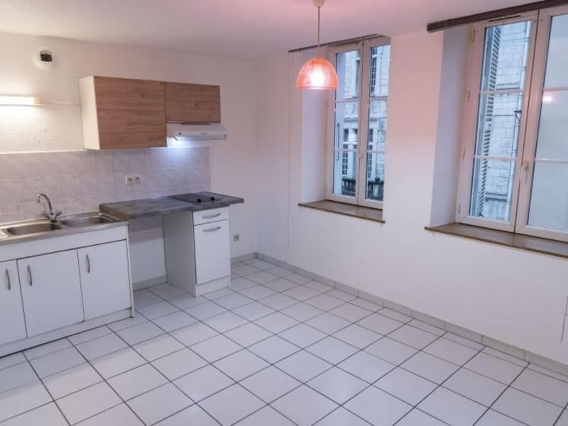 Location appartement Nantua 318€ CC - Photo 1