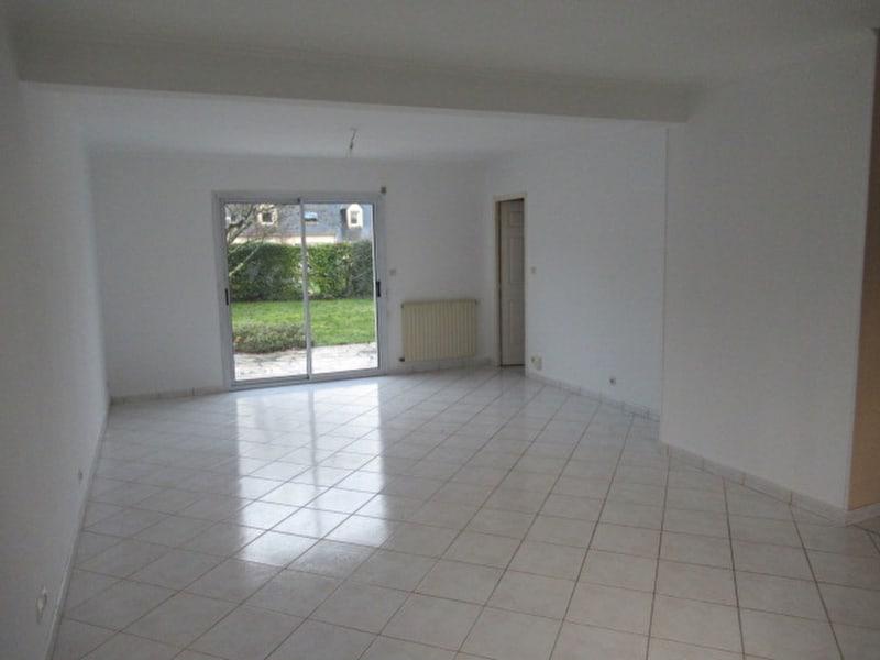 Sale house / villa Beaucouzé 367500€ - Picture 2