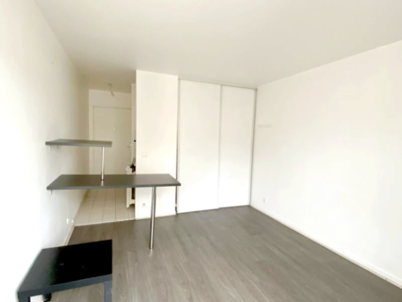 Location appartement Levallois 730€ CC - Photo 3