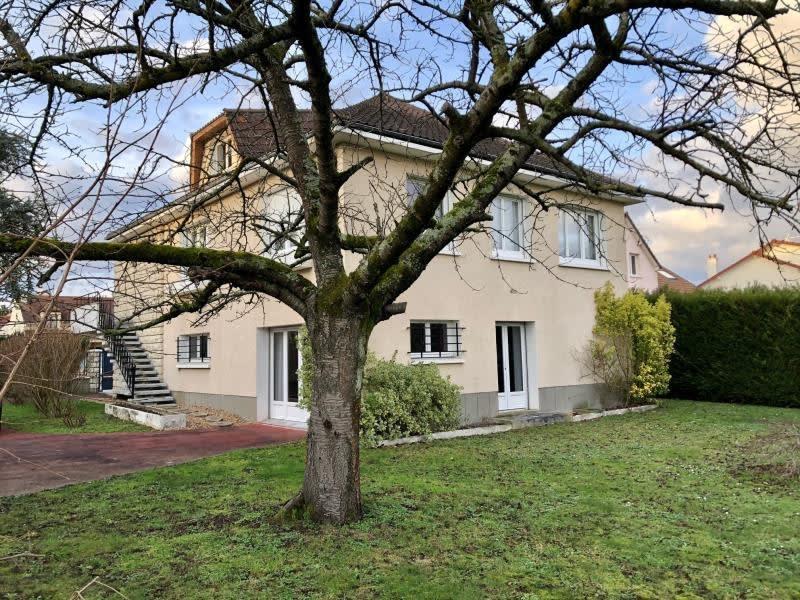 Sale house / villa Le mesnil le roi 950000€ - Picture 1