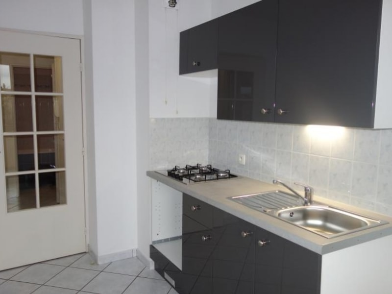 Location appartement Le coteau 510€ CC - Photo 2