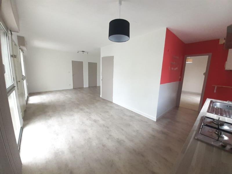 QUIMPERLE - Appartement  T3 - Place St Michel  - 70.53 m2