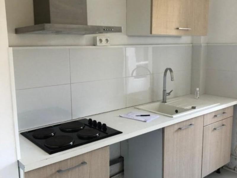 Rental apartment Aix en provence 900€ CC - Picture 1