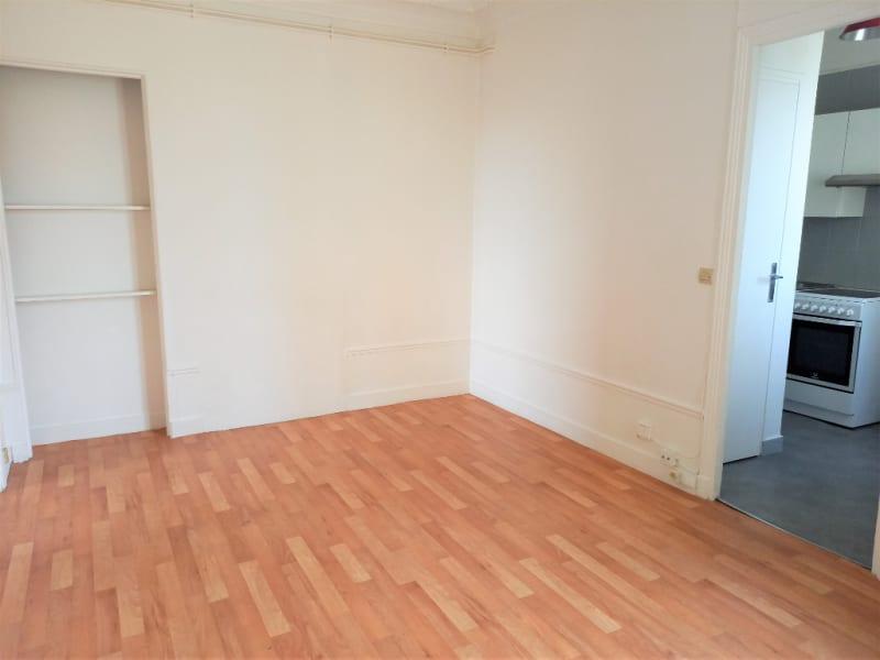 Rental apartment Poissy 719,83€ CC - Picture 2