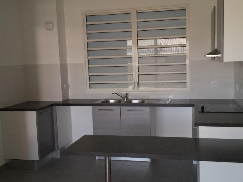 Location appartement St denis camelias 781€ CC - Photo 4