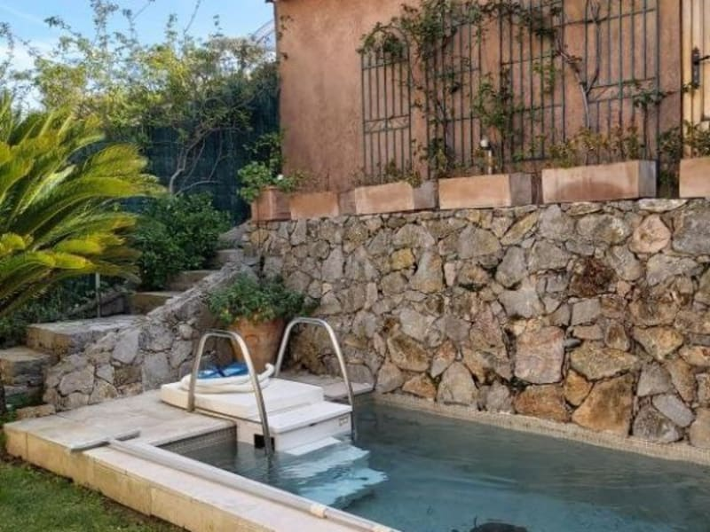 Sale house / villa Ste maxime 440750€ - Picture 1