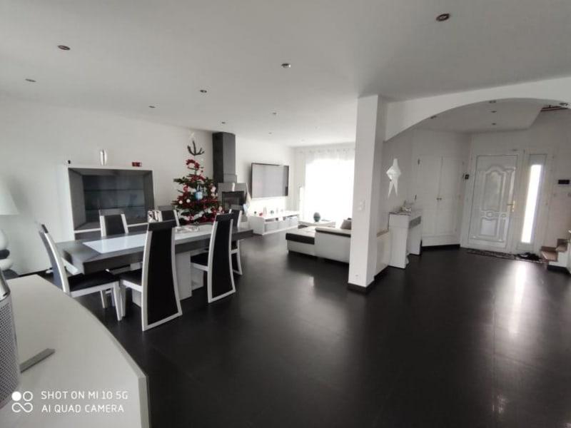 Sale house / villa Le thillay 470000€ - Picture 1