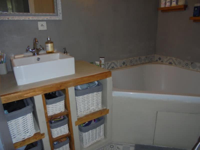 Rental apartment Cluses 850€ CC - Picture 3