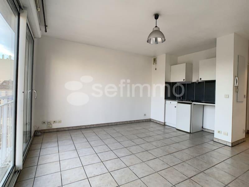 Rental apartment Marseille 5ème 462€ CC - Picture 1