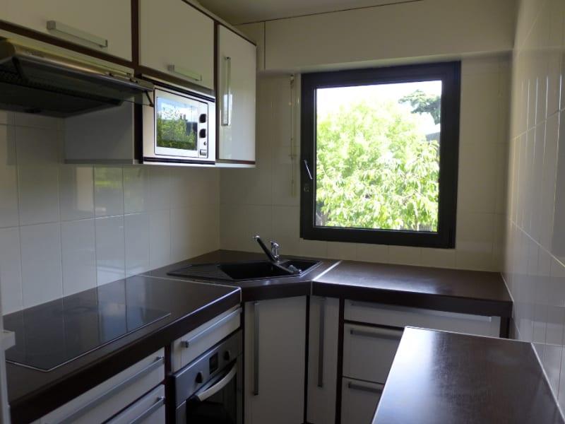Rental apartment Garches 1181€ CC - Picture 2