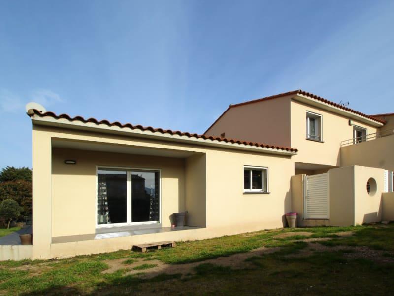Sale house / villa Saint genis des fontaines 424000€ - Picture 1