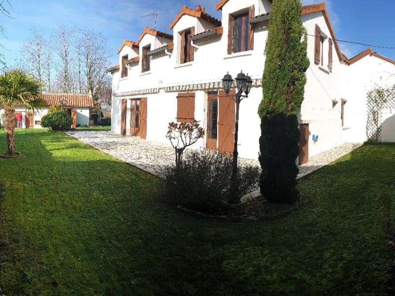 Sale house / villa Paizay le sec 146000€ - Picture 1