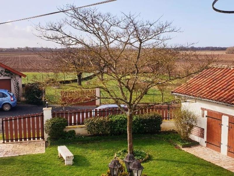 Sale house / villa Paizay le sec 146000€ - Picture 2
