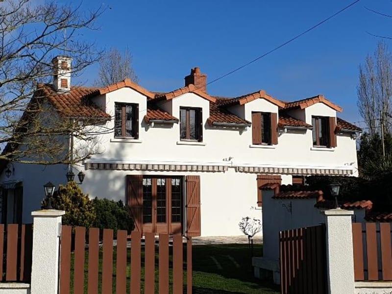 Sale house / villa Paizay le sec 146000€ - Picture 8