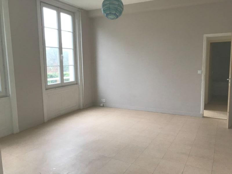 Location appartement Cognac 365€ CC - Photo 1