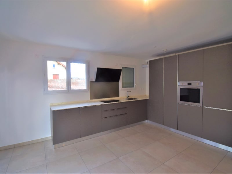 Sale apartment Cran gevrier 525000€ - Picture 2