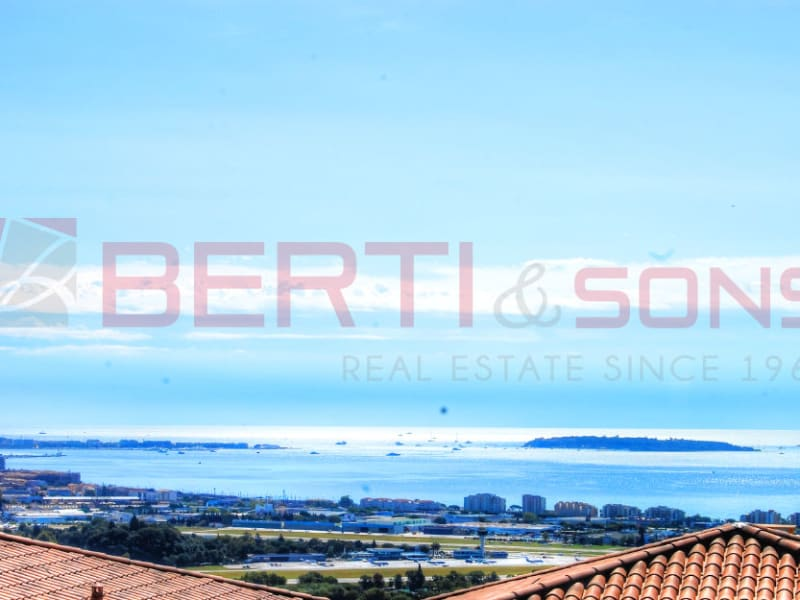 Sale apartment Mandelieu 695 000€ - Picture 1