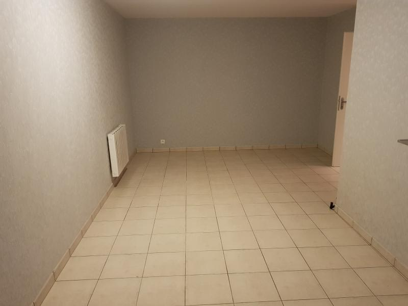 Rental apartment Bellignat 440€ CC - Picture 5