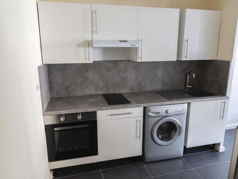 Location appartement Nantua 273€ CC - Photo 2
