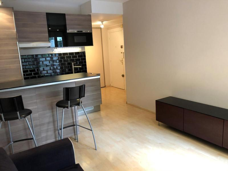 Location appartement Aix en provence 885€ CC - Photo 2