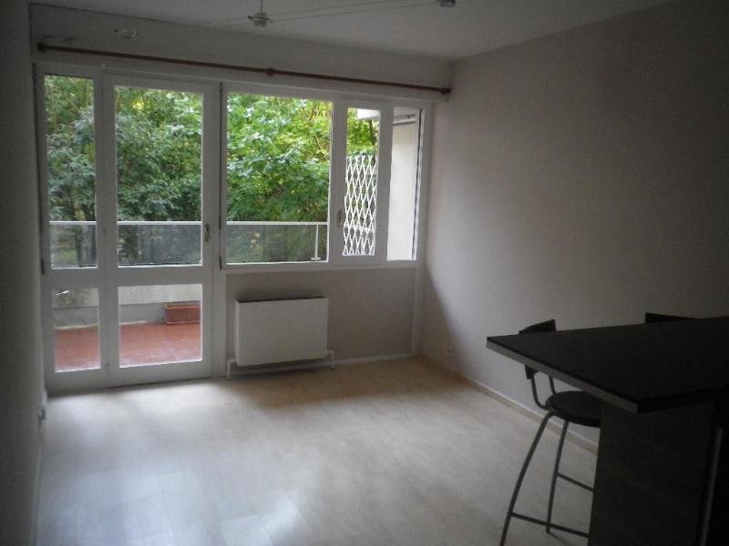 Location appartement Aix en provence 885€ CC - Photo 3