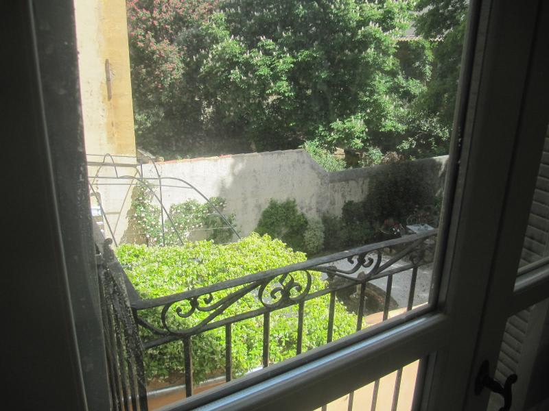 Location appartement Aix en provence 1138€ CC - Photo 4