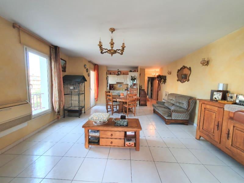 Vendita appartamento Hyeres 302100€ - Fotografia 1