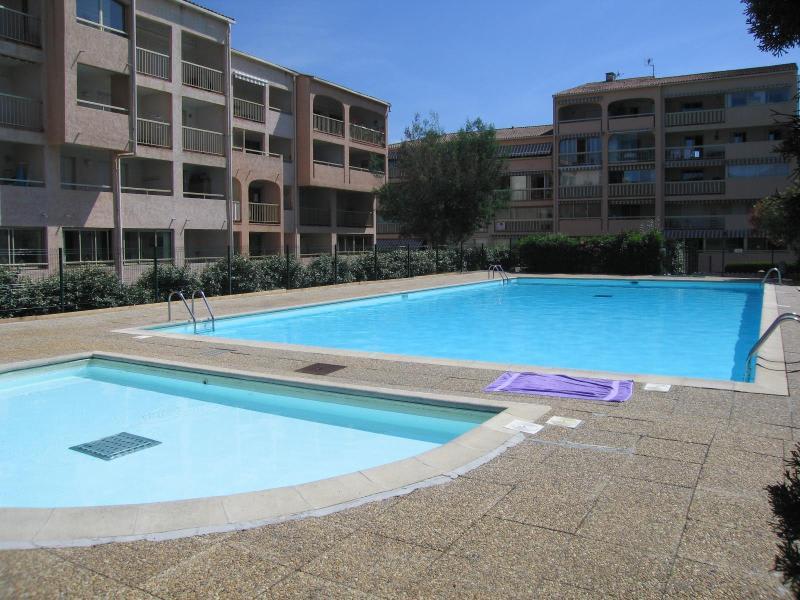 Sale apartment Sainte maxime 241000€ - Picture 1