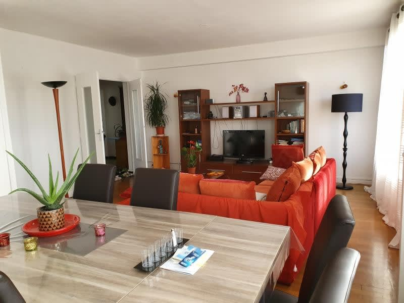 Rental apartment Bron 1 038€ CC - Picture 3