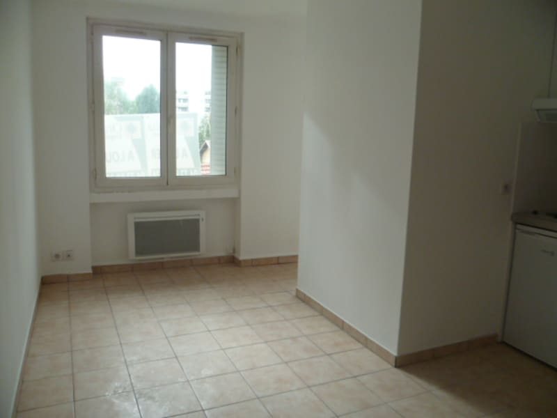 Location appartement Villeurbanne 475€ CC - Photo 1