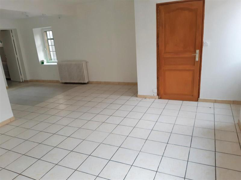 Location maison / villa Belleville en beaujolais 750€ CC - Photo 3