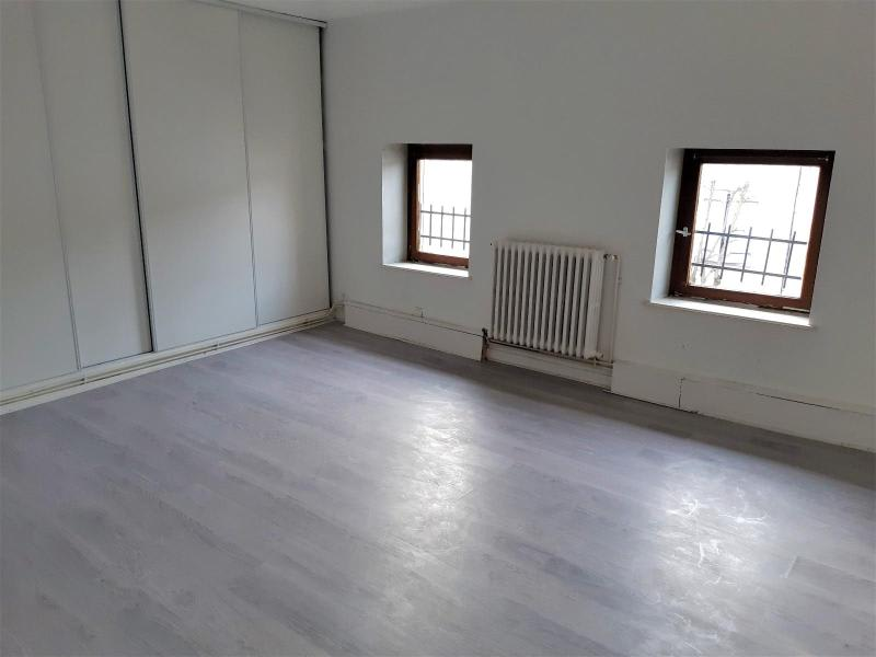 Location maison / villa Belleville en beaujolais 750€ CC - Photo 5