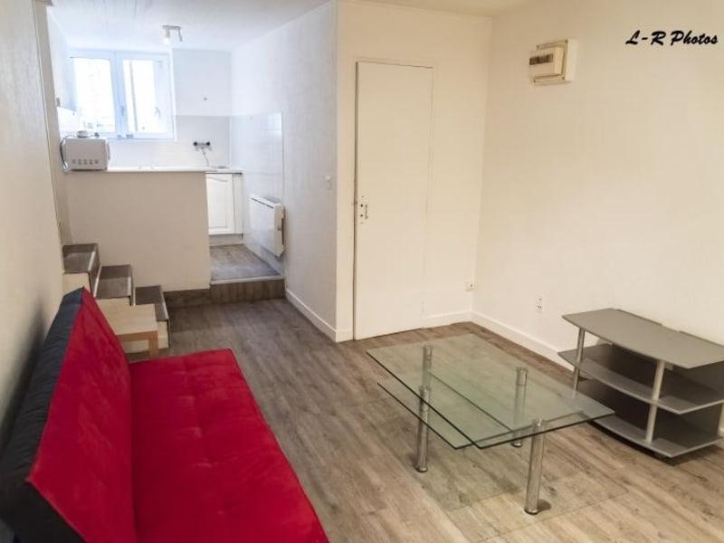 Rental apartment Montreal la cluse 206€ CC - Picture 1