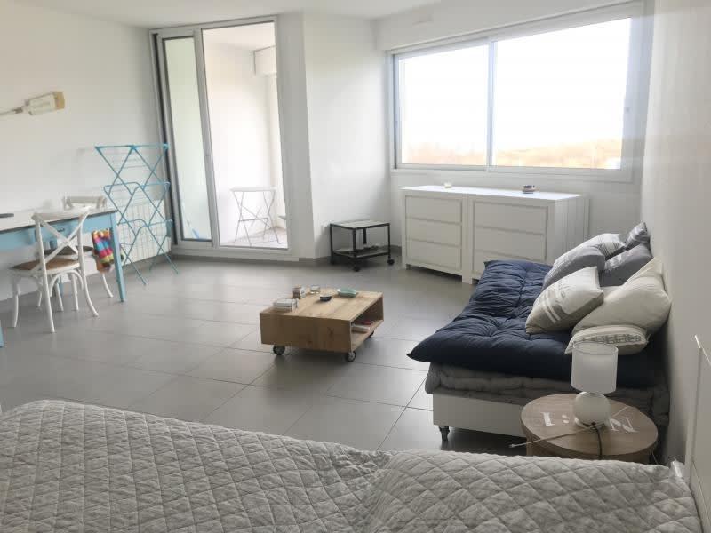Sale apartment Le grau du roi 177000€ - Picture 1
