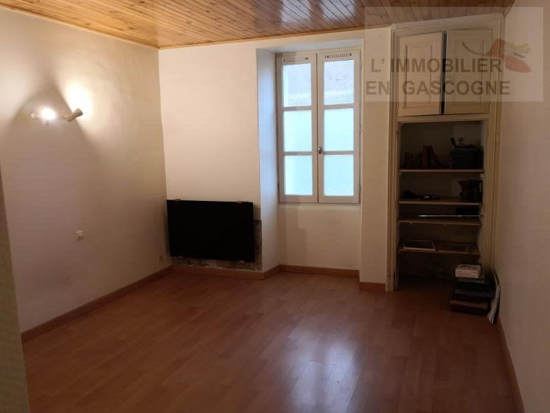 Sale house / villa L isle jourdain 179900€ - Picture 5