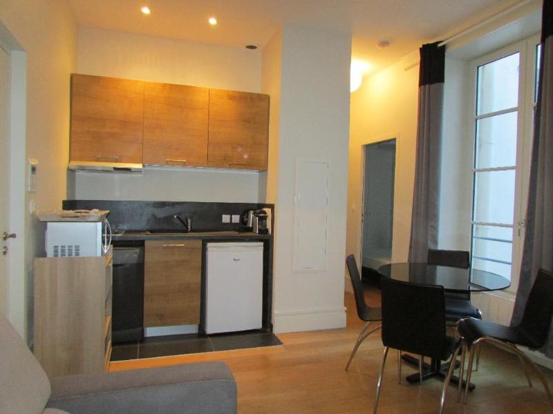 Rental apartment Lyon 2ème 965€ CC - Picture 1