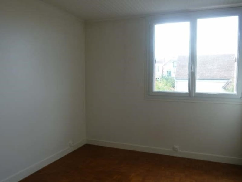 Rental apartment Garches 975€ CC - Picture 3