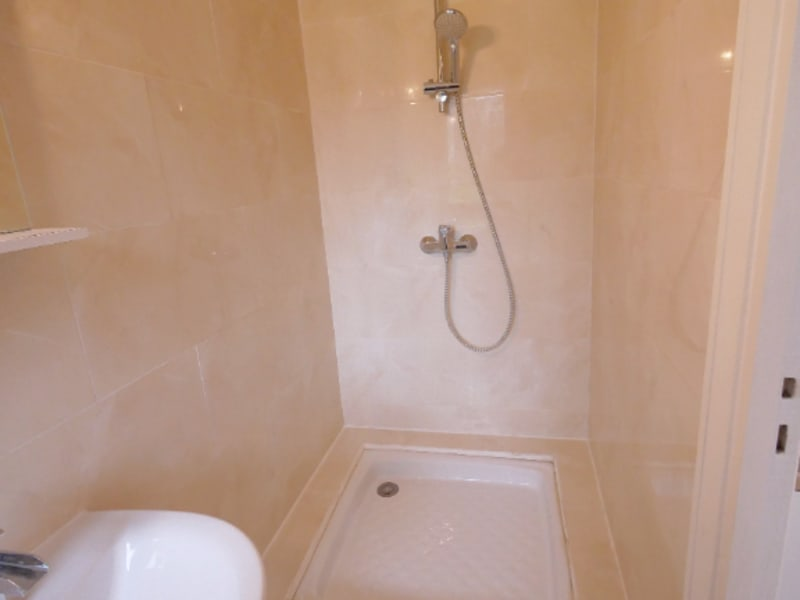 Rental apartment Garches 591€ CC - Picture 2