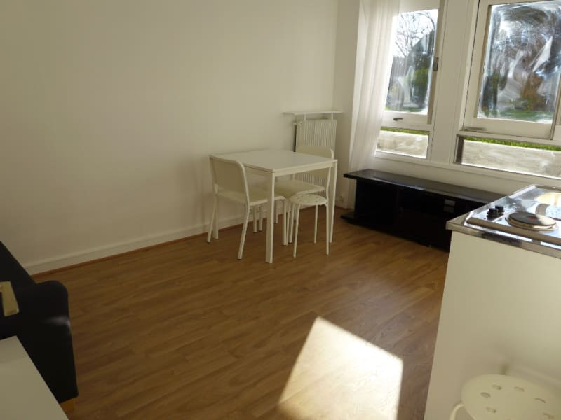 Rental apartment Garches 591€ CC - Picture 4