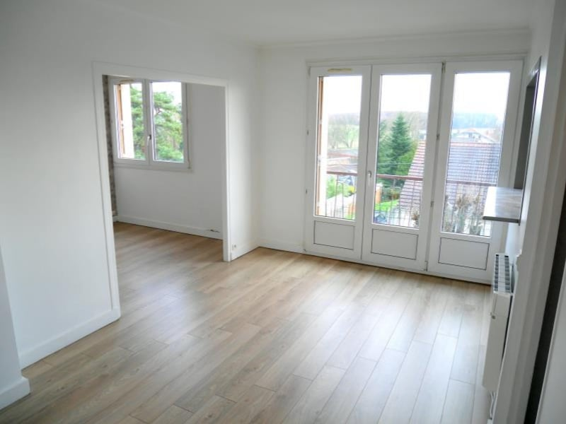 Rental apartment Le raincy 903€ CC - Picture 1